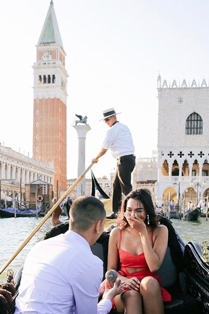Beach Proposal Ideas Boat Ride Romantic Proposal In Venice