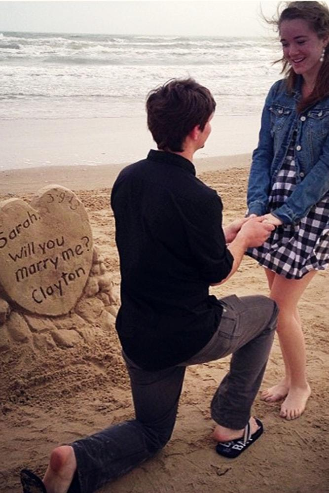 Beach Proposal Ideas Sand Sculpture Romantic Proposal On The Beach