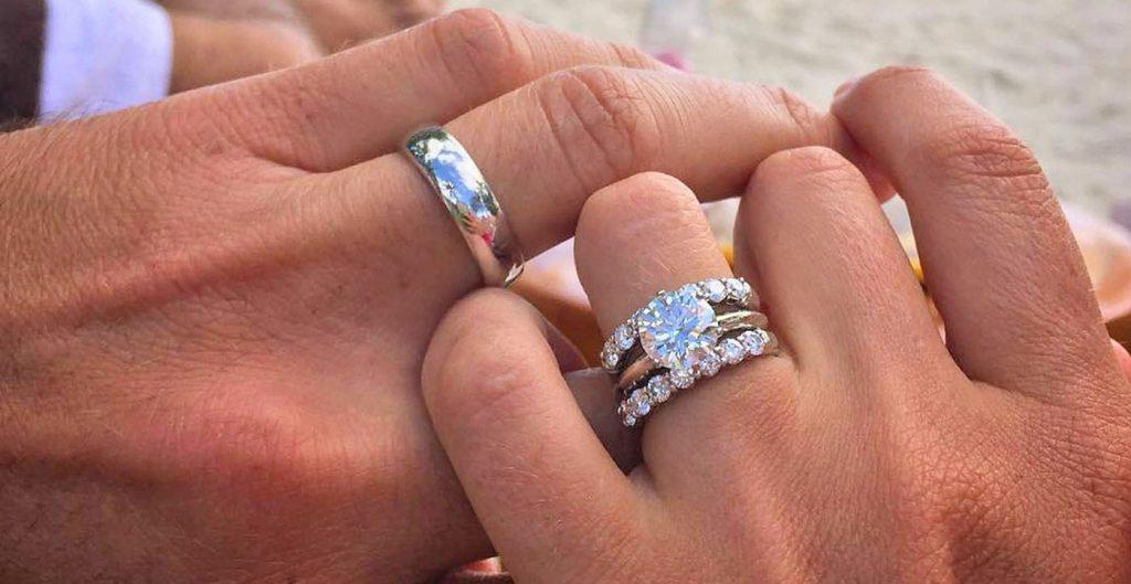 How To Wear Wedding Rings Rules for Your Ring Finger Oh So