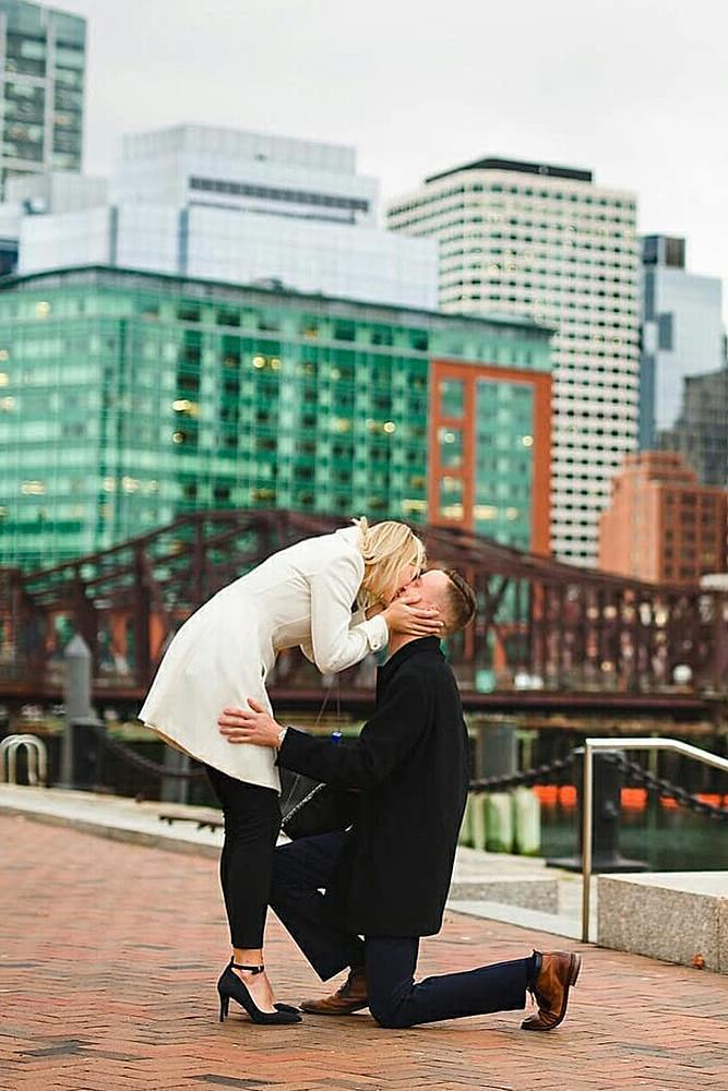 proposals romantic engagement at the city