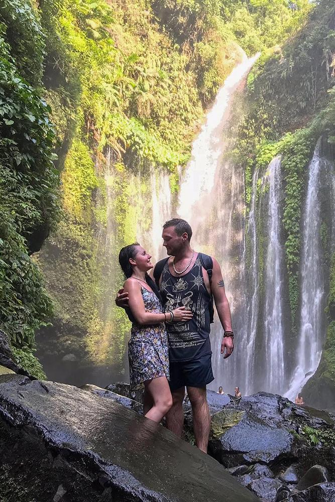 proposals sweet pair in a waterfall waterfalllove