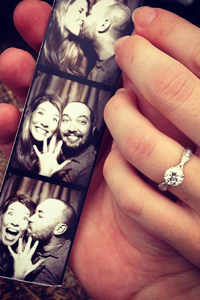 romantic ways to propose photo booth proposal