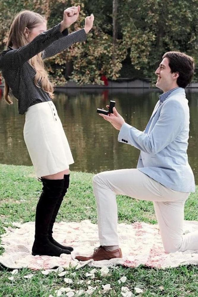 wedding proposal ideas in a park best picnic engagement