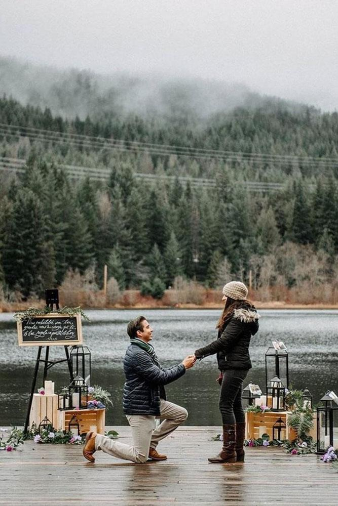 wedding proposal ideas in a park couple on lake
