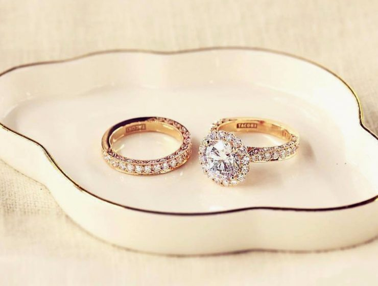 when to take off engagement rings