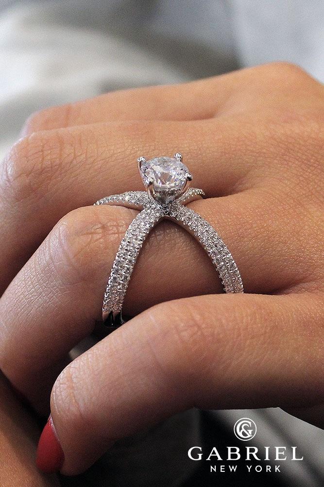 unique engagement rings chasma white gold round split shank