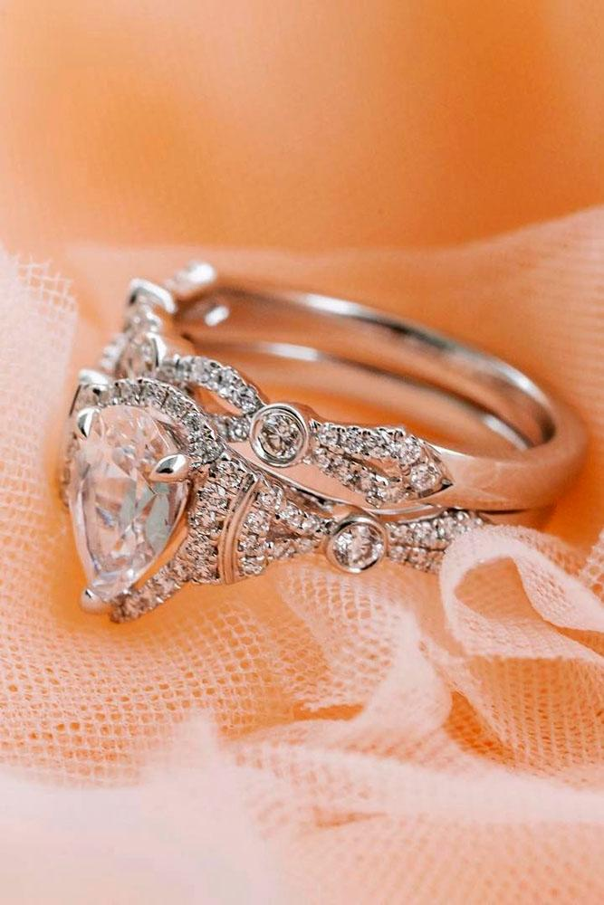 unique engagement rings pear center stone white gold