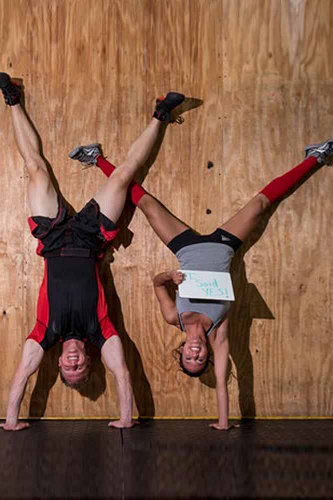 engagement photo ideas fitness sport couple creative
