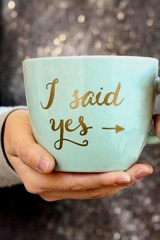 engagement photo ideas i said yes on the cup