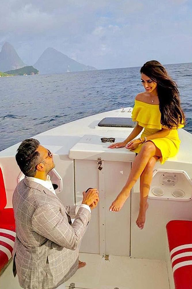 engagement photo ideas man and woman boat proposal nature beautiful