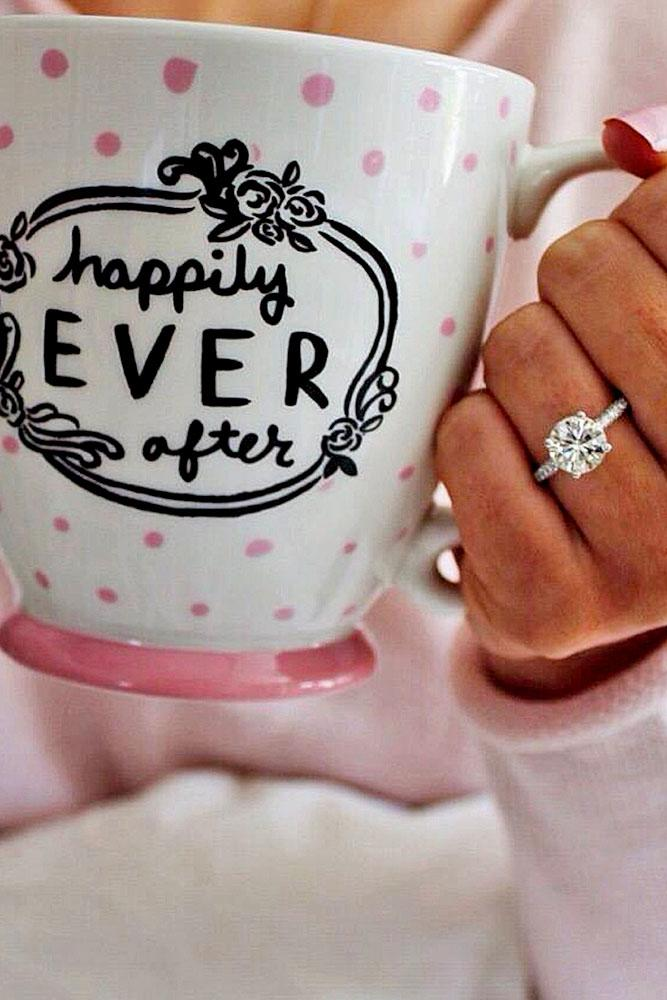 engagement photo ideas nice proposal note is on the cup