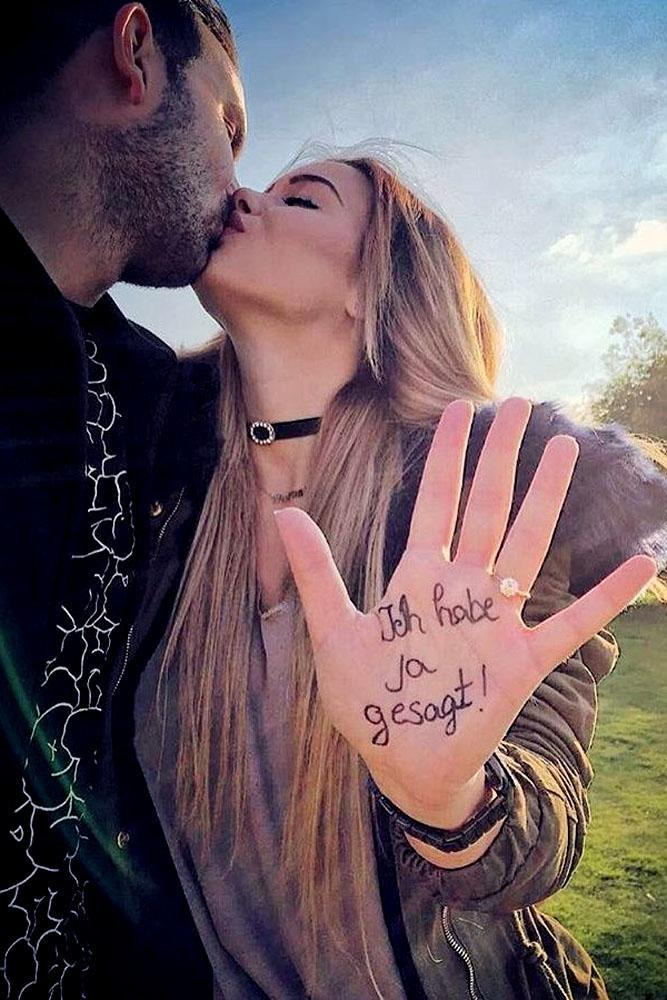engagement photo ideas she said yes on her hand