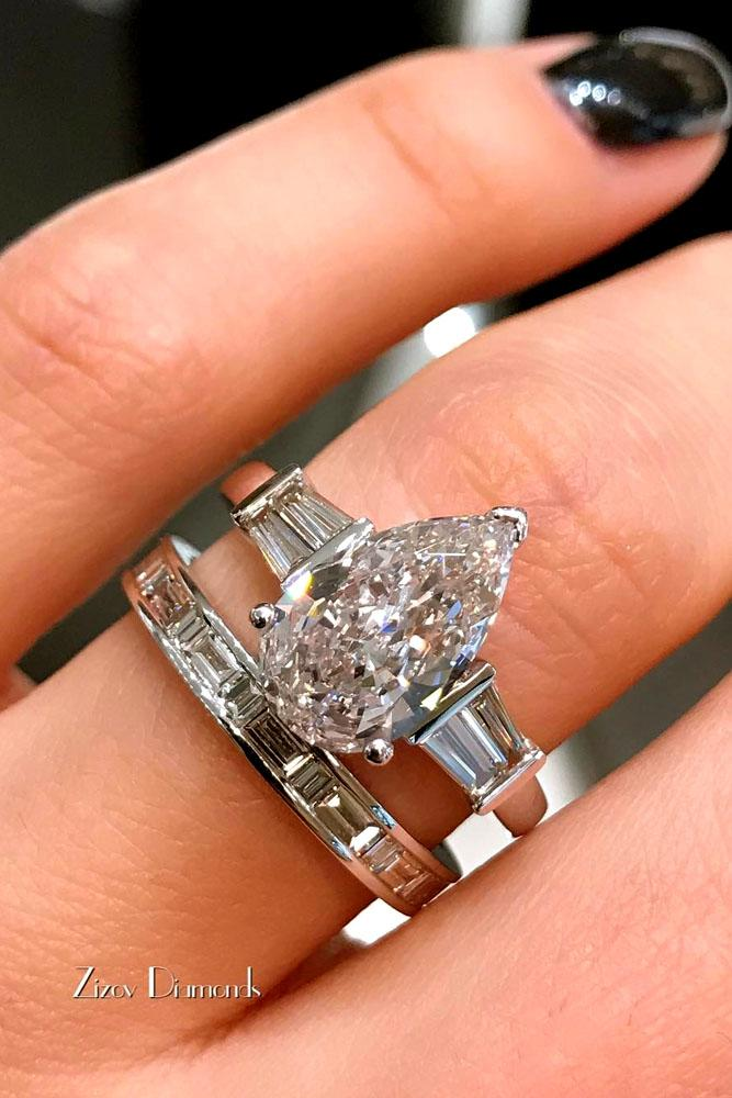 27 stunning pear shaped engagement rings oh so perfect. Black Bedroom Furniture Sets. Home Design Ideas