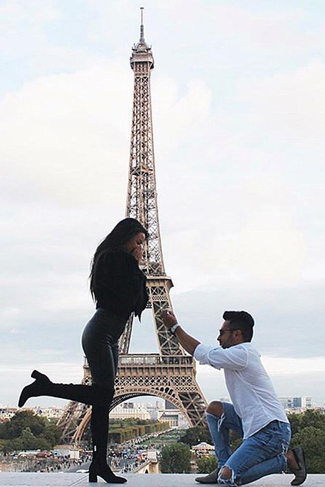 perfect proposals man propose a woman paris