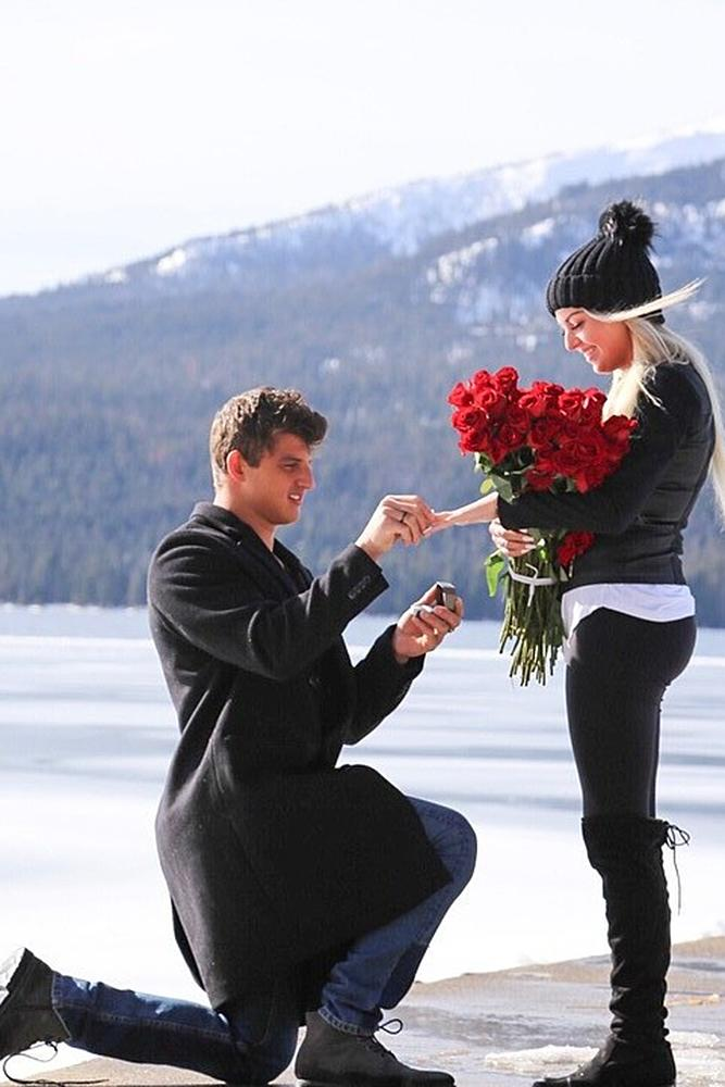perfect proposals roses man propose a woman