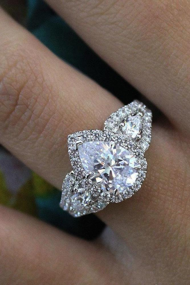 18 The Best Three Stones Engagement Rings That Admire Oh