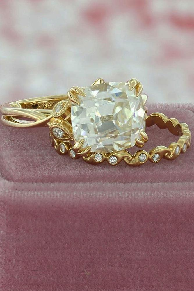 vintage wedding band yellow gold cushion cut center diamond