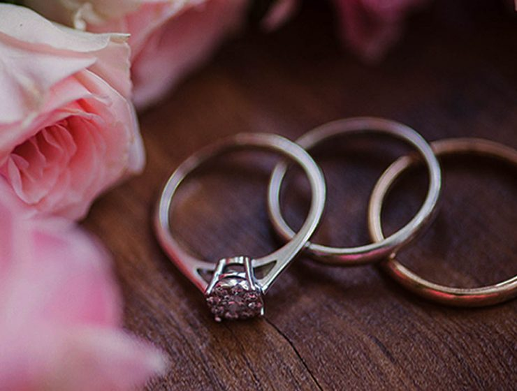 diamond wedding rings with rose