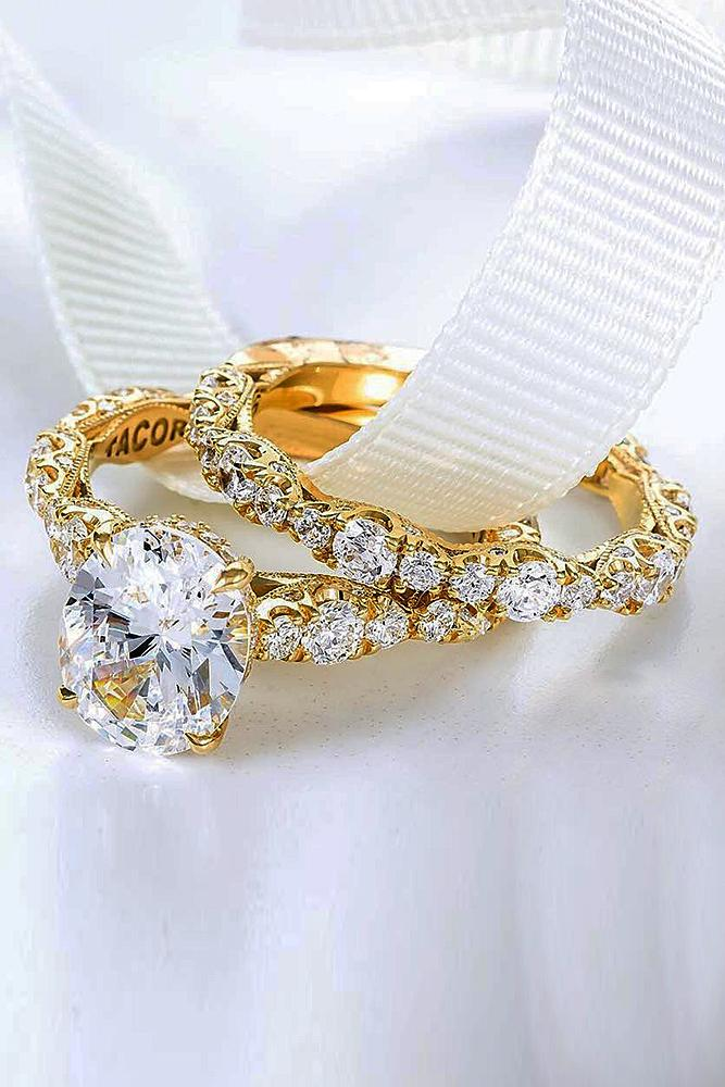 yellow gold engagement rings oval cut diamond twist