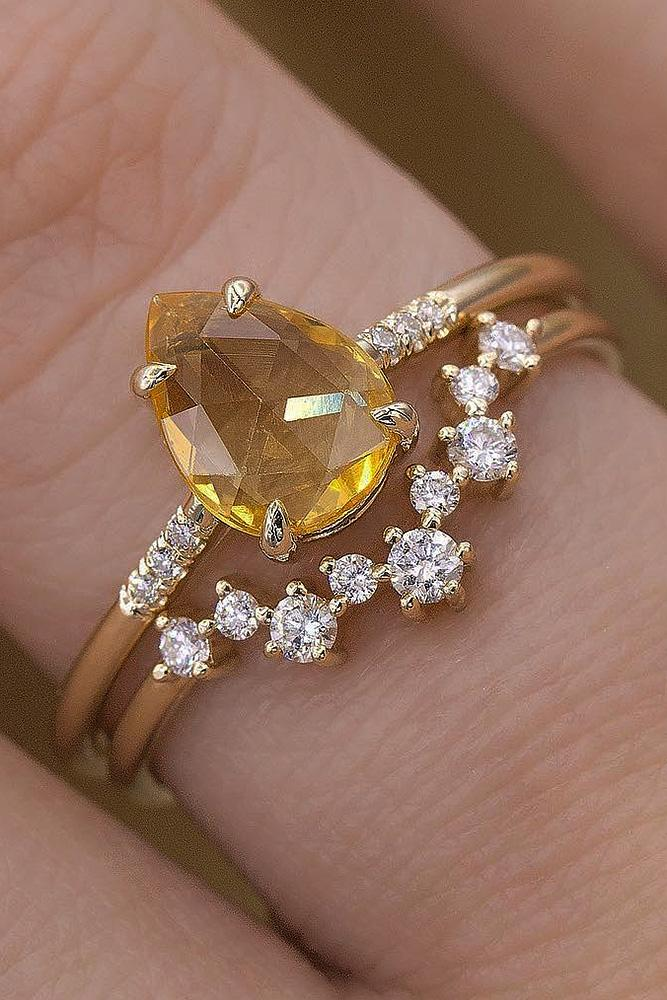 yellow gold engagement rings pear cut yellow diamond wedding set