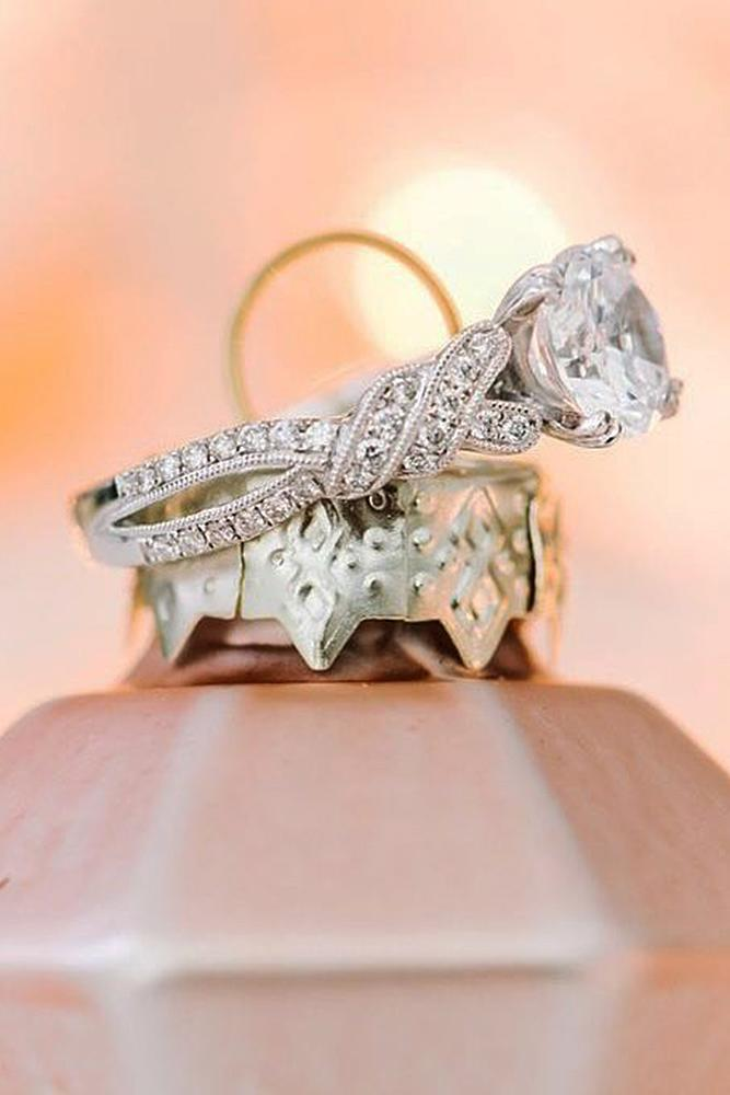 beautiful engagement rings round cut diamond vintage white gold