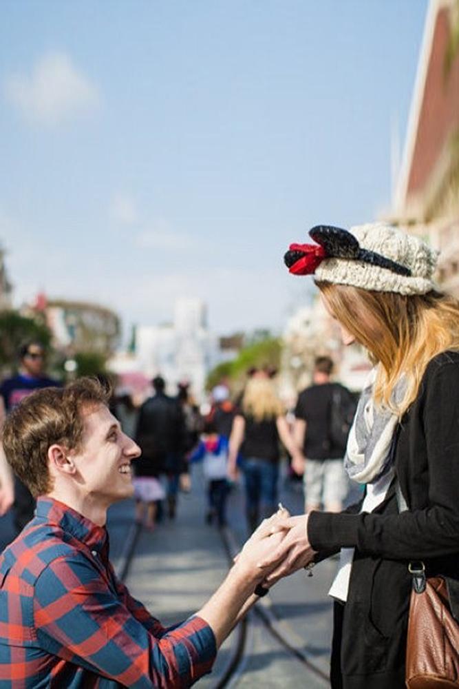 best proposal ideas couple in the disneyland love