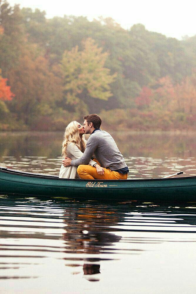 engagement photos man and woman on the boat romantic
