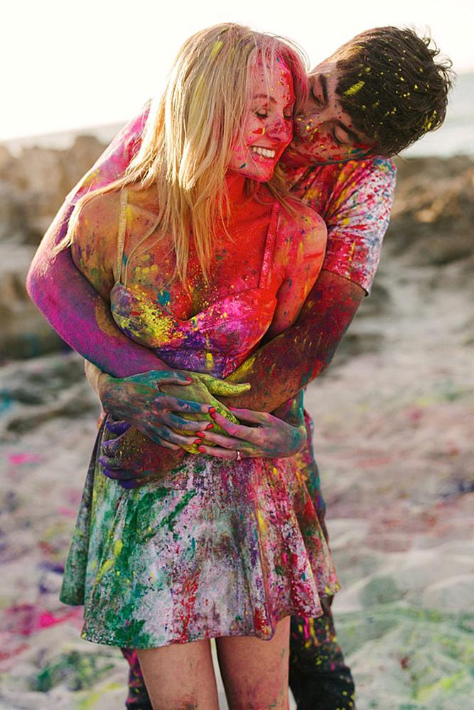 engagement pictures funny ideas with paint