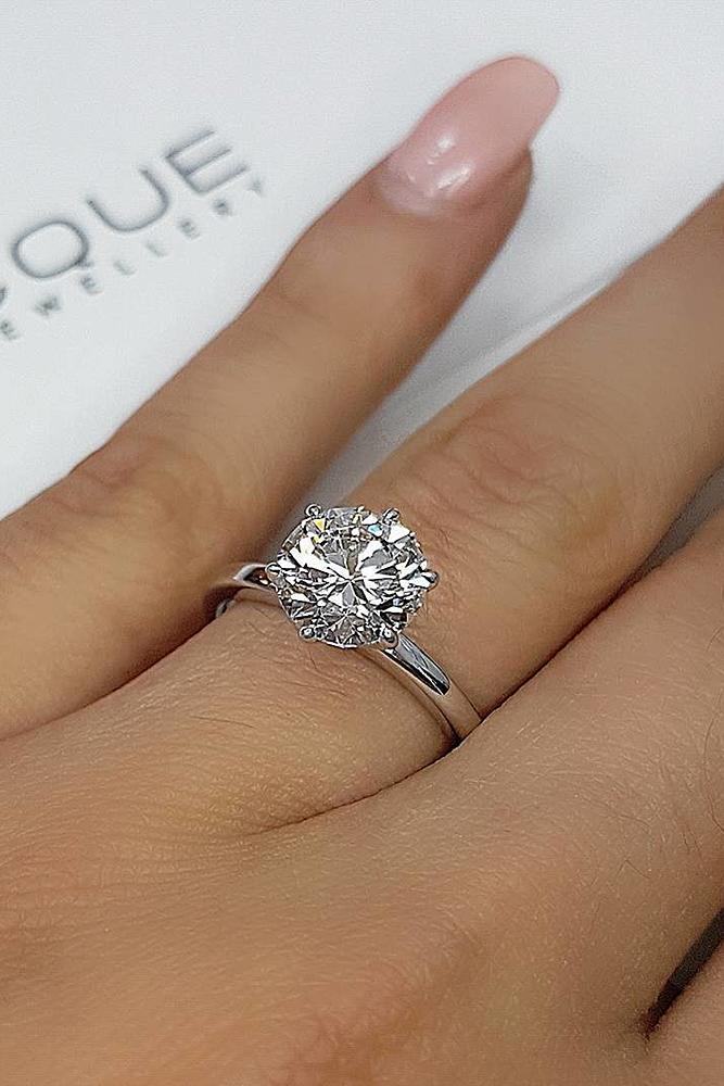 simple engagement rings solitaire round cut diamond