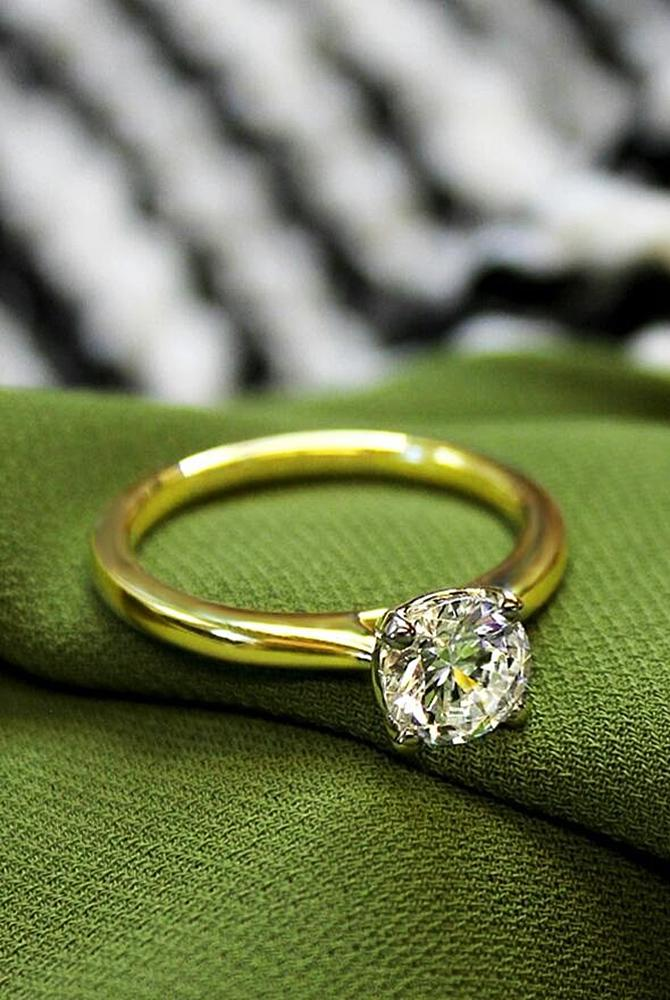 simple engagement rings yellow gold diamond round cut solitaire