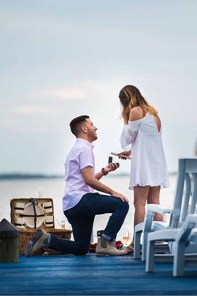 wedding proposal at the picnic couple