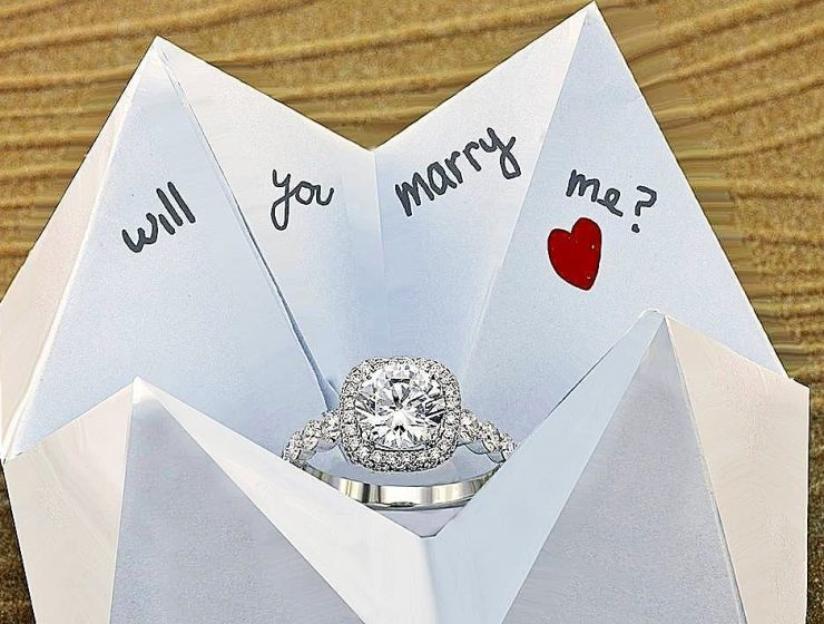 wedding proposal engagement ring romantic propose