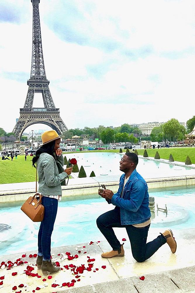 wedding proposal man engages the woman in the paris romantic france