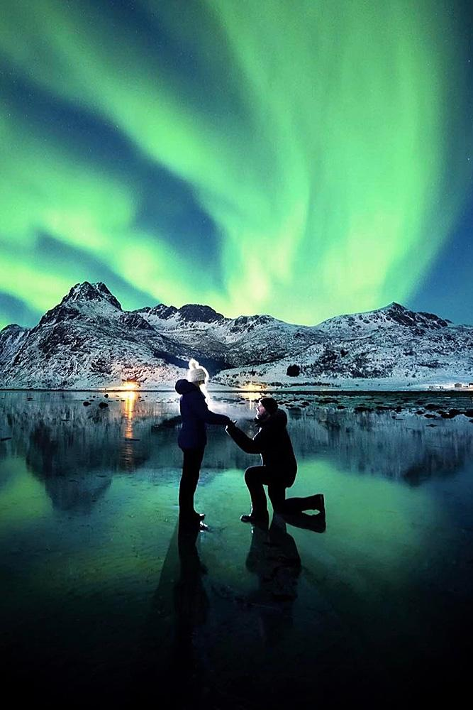 wedding proposal romantic engage nothern lights