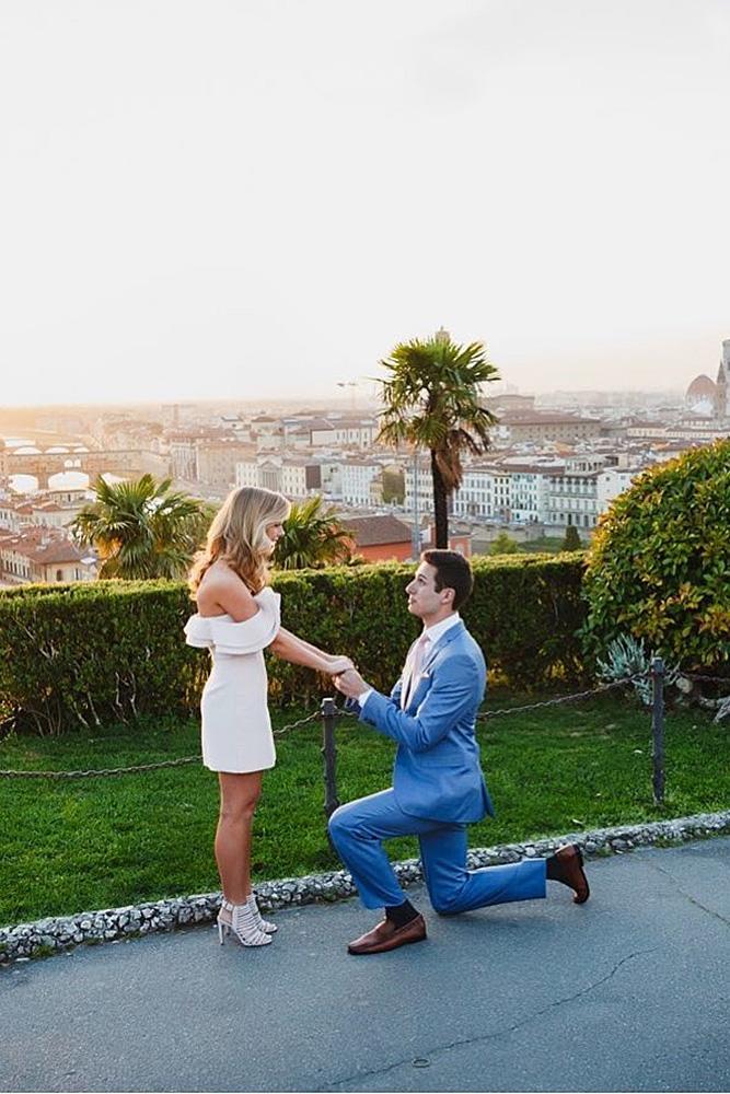 best proposals man engage woman park