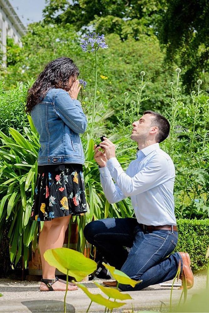 best proposals man propose a woman