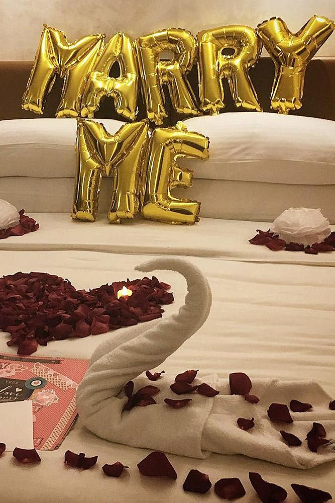 creative proposal ideas balloons romantic hotel