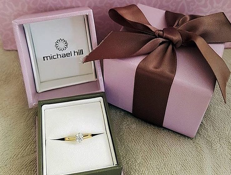 michael hill solitaire gold round cut featured