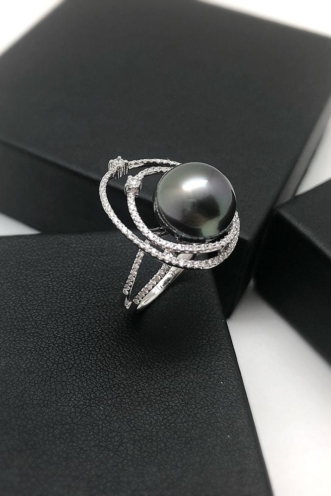 pearl engagement rings amazing black south sea pearl white gold modern unique