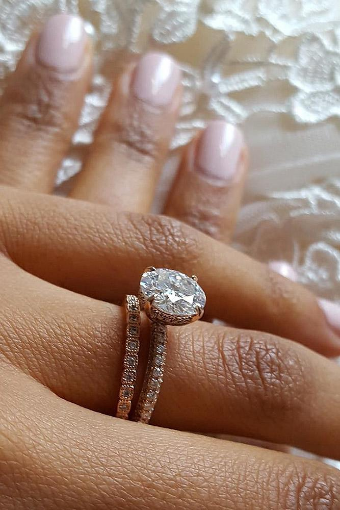 rose-gold-wedding rings round cut solitaire pave band