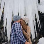 winter engagement photos amazing backdrop couple engaged