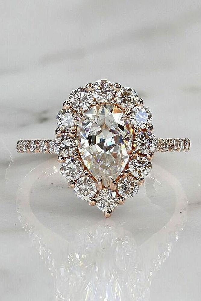 custom engagement rings rose gold white pear cut diamond in pear halo sparkling