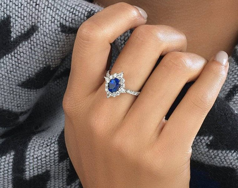 Best sapphires designers halo white gold