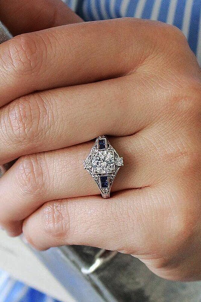 Best sapphires designers round cut vintage white gold