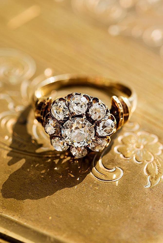 Best vintage engagement rings floral halo gold diamond