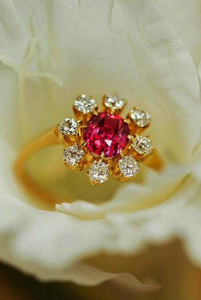 Best vintage engagement rings gold floral round cut gemstone