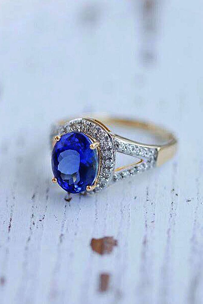 Best vintage engagement rings oval cut halo gold pave band sapphire