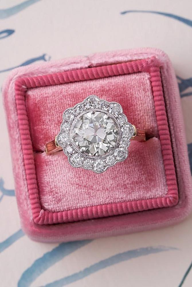 Best vintage engagement rings round cut halo rose gold white