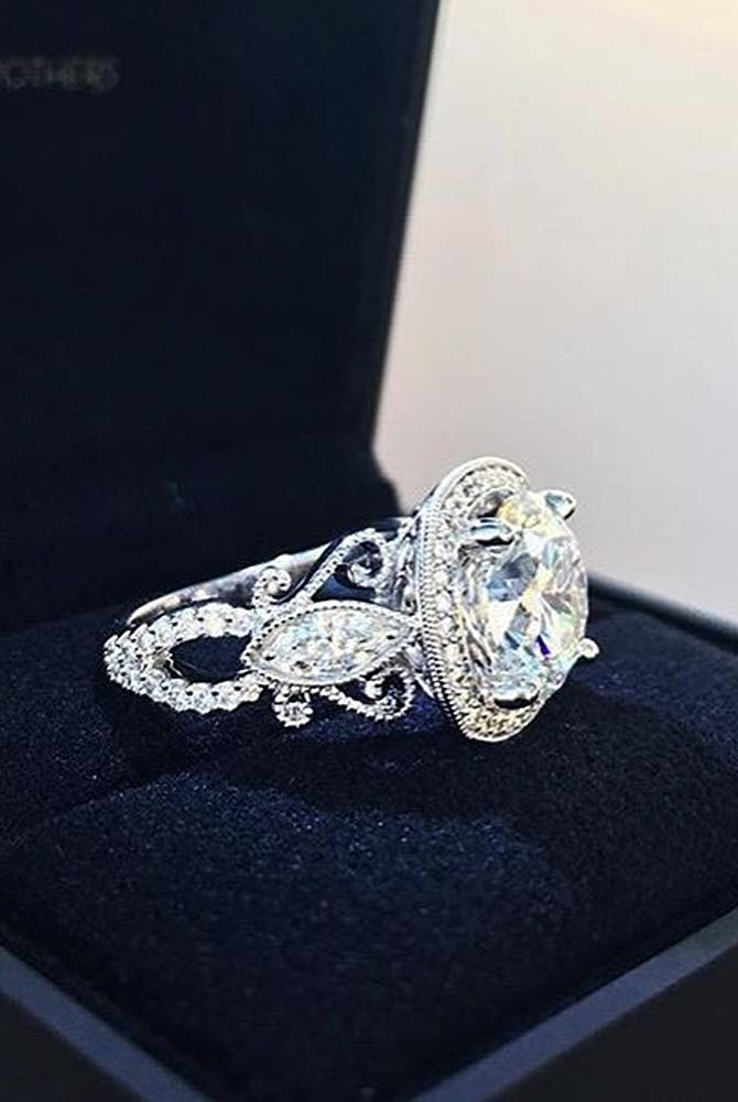 Best vintage engagement rings round cut halo white gold diamond
