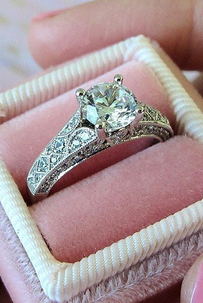 Best vintage engagement rings round cut solitaire white gold
